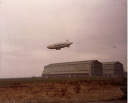 skyship 600 over the cardington sheds